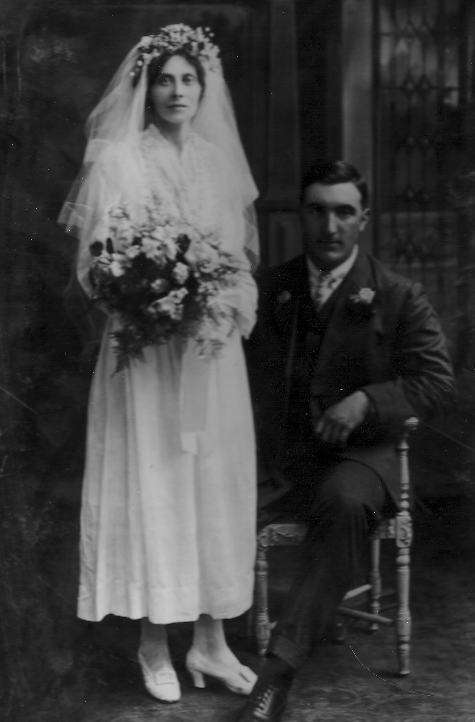 bertha-elizabeth-hucks-albert-william-knott-wedding-1919